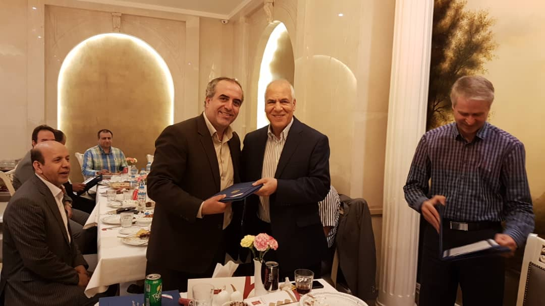 Photo of تقدیر مدیرعامل شرکت سهامی نمایشگاه های بین المللی جمهوری اسلامی ایران از برگزارکنندگان جشن روز صنعت نمایشگاه